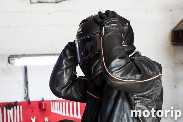 ヘルメット頭痛対策|バイクに乗ると頭が痛くなる人の対処法!