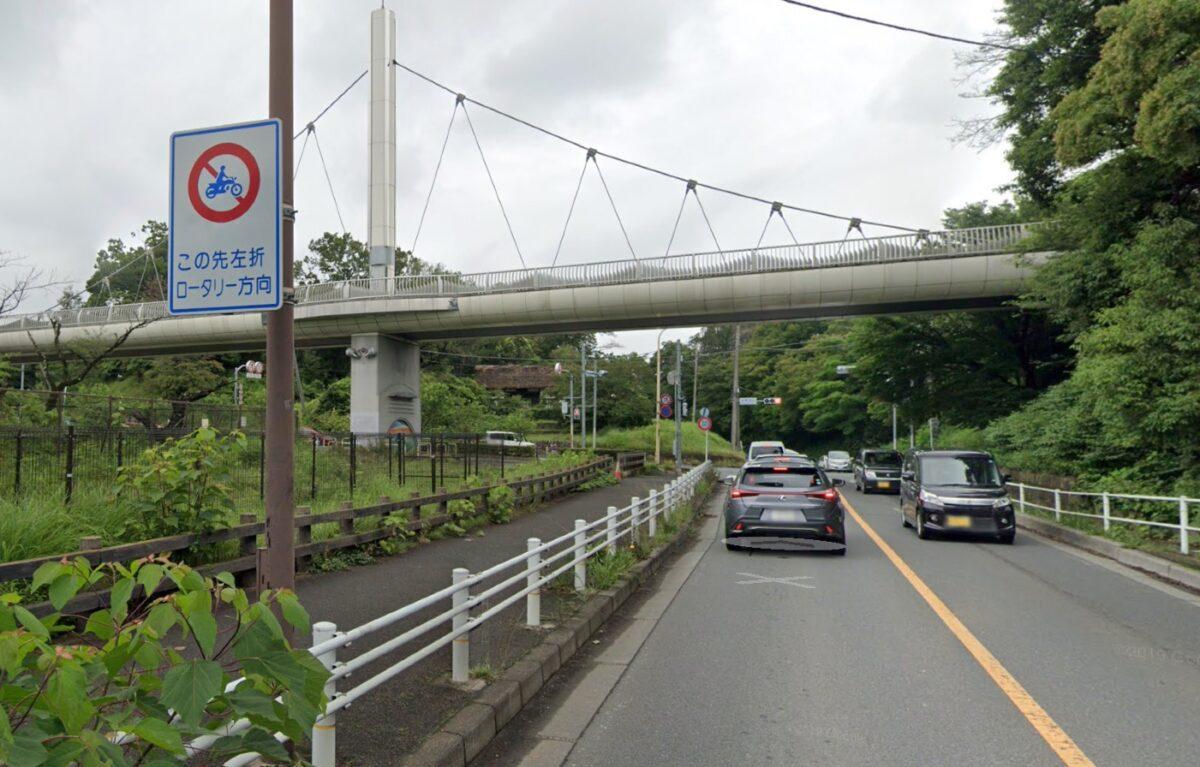 二輪通行規制区間の標識