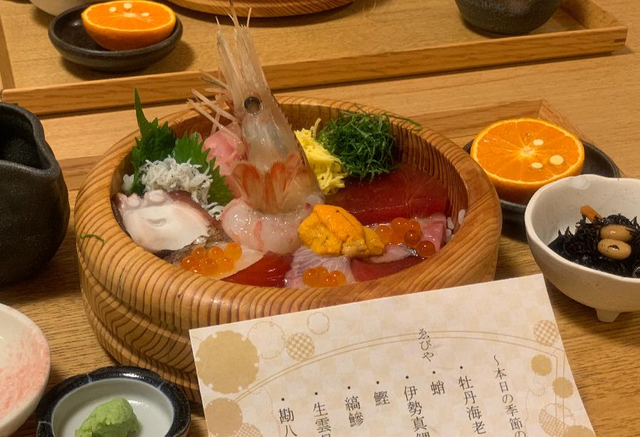 伊勢神宮で新鮮な魚介類を食す