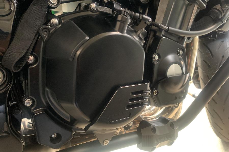 Z900RSにパルサーカバー、クラッチカバー取り付け