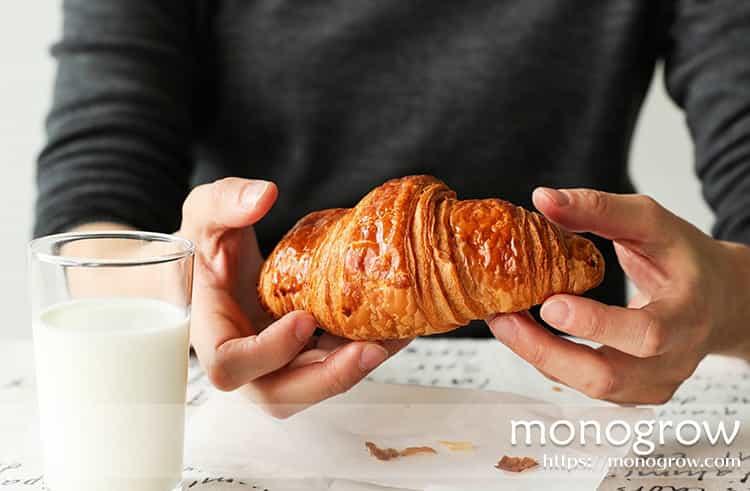 バルミューダのトースターを使えば、クロワッサンが窯出しの焼きたて食感に!