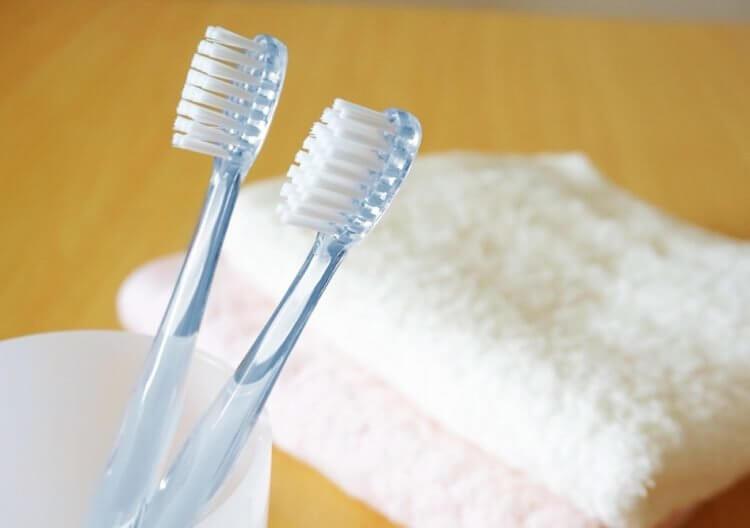除菌・抗菌効果の高いパストリーゼは、歯ブラシやカミソリにも直接噴射できる